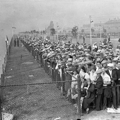 Watching The Wriglleys Marathon Swim, Late 1920s