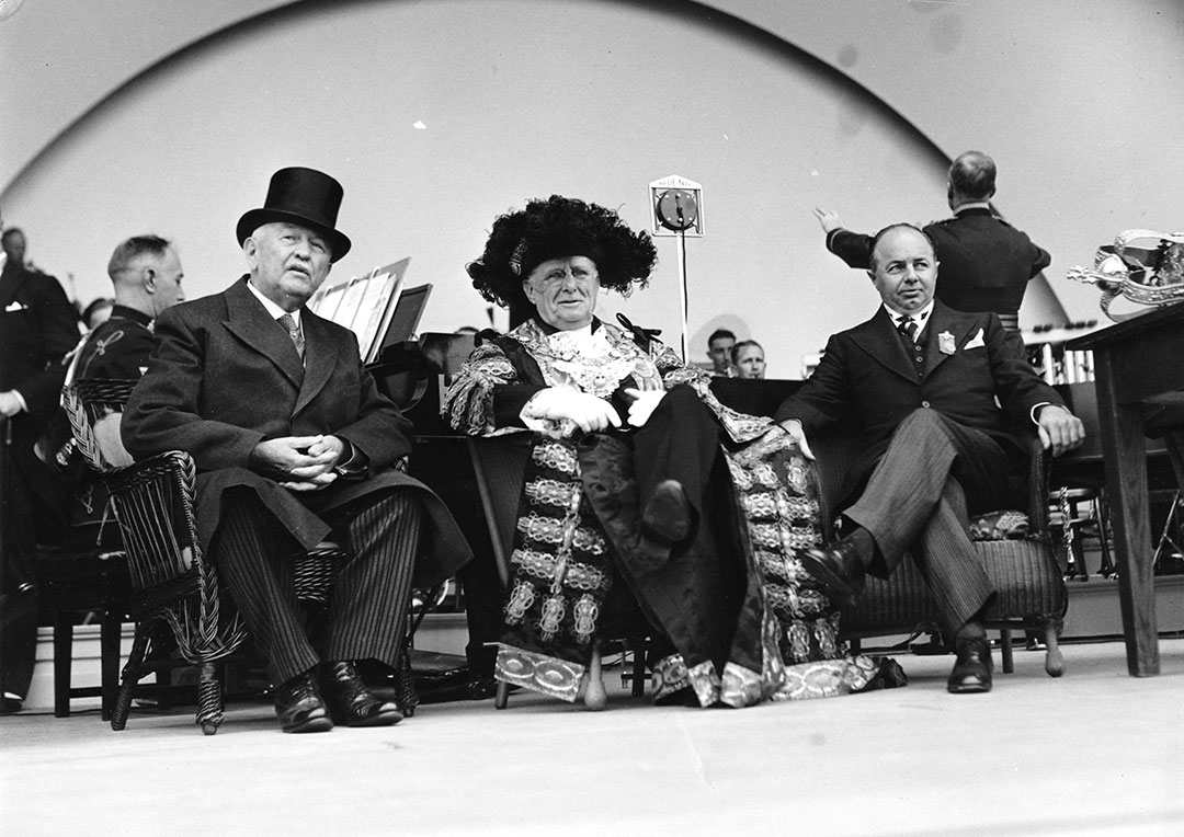 Lord Mayor Of London Sir Percy Vincent Opens The Bandshell In 1936