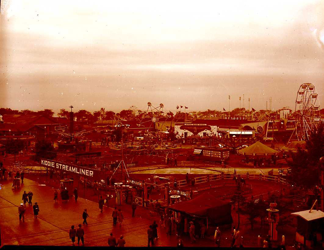 Conklin Photo Of The CNE Midway, 1940