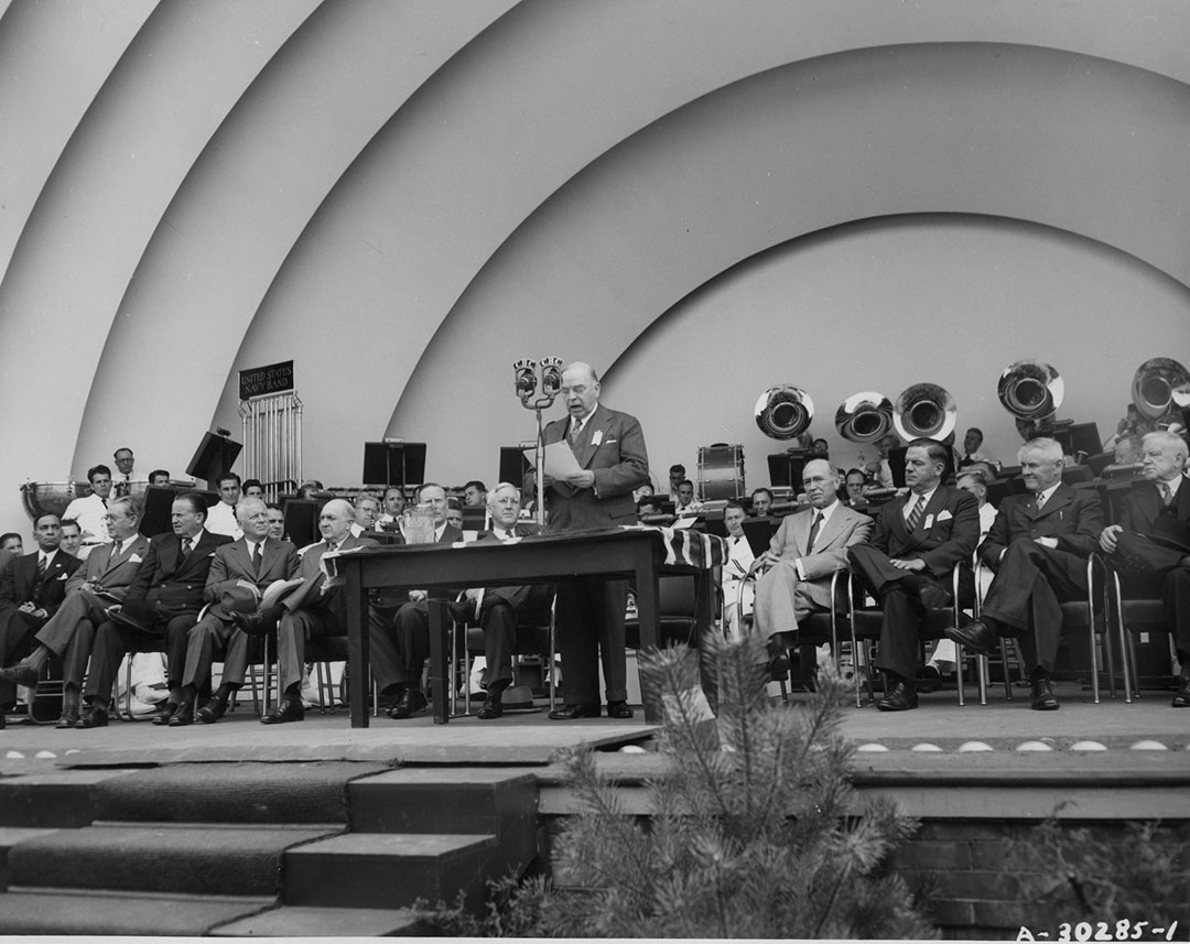 Prime Minister Mackenzie King Re-opening The CNE In 1947