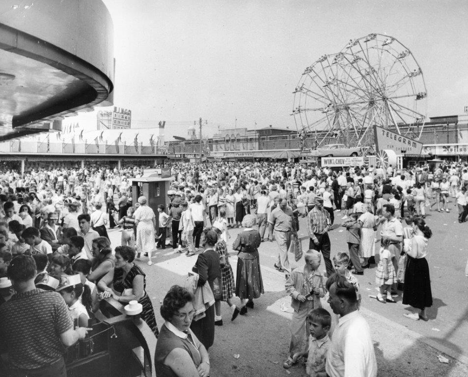 CNE Midway, ca. 1957