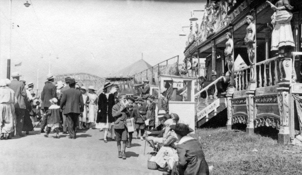 Visitors @ The Fair, ca. 1917