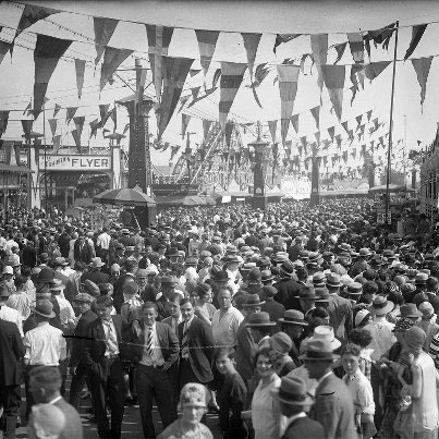 Midway Crowd ca. 1928