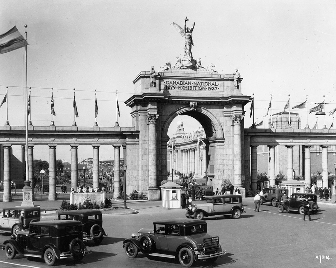 The Princes' Gates, 1927