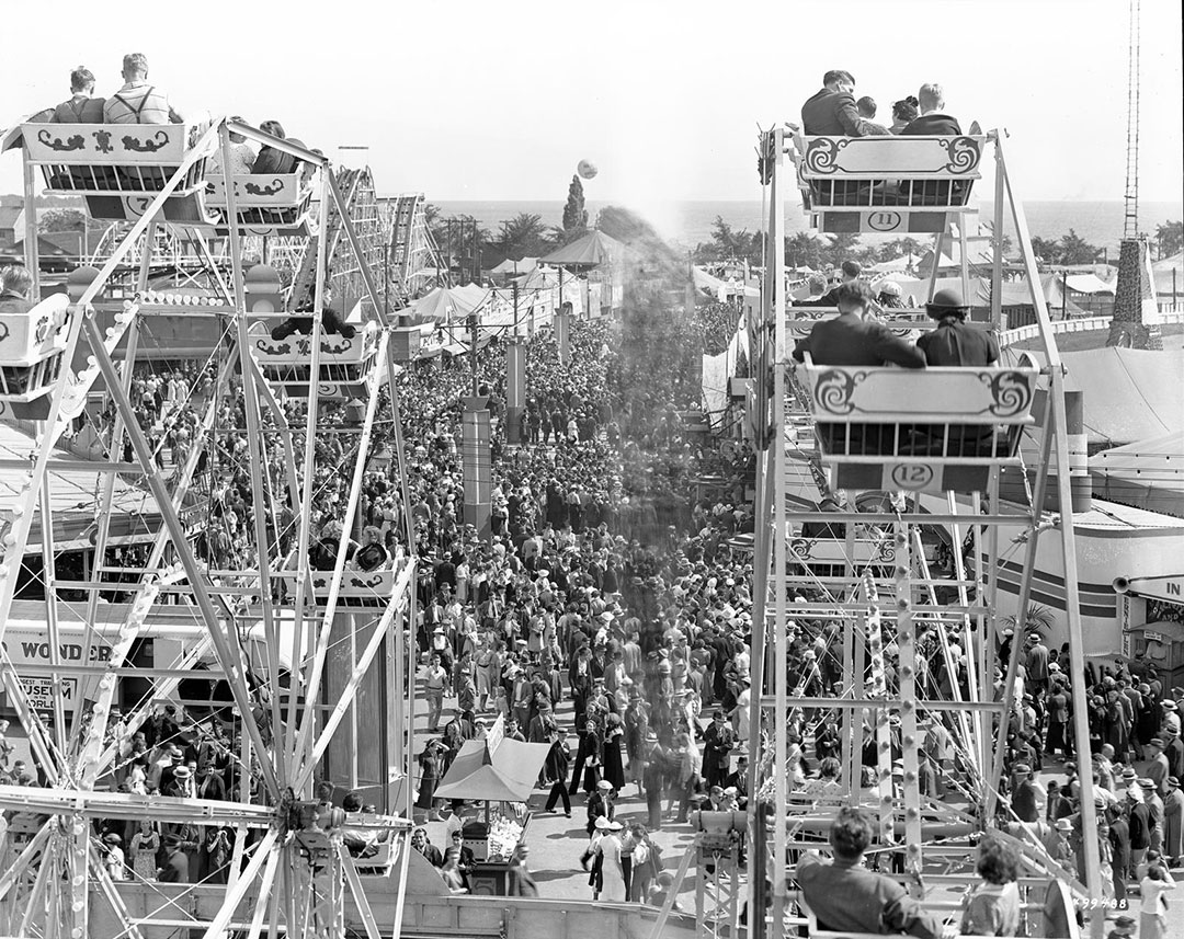 Two Ferris Wheels  and  Lost Balloon, 1937