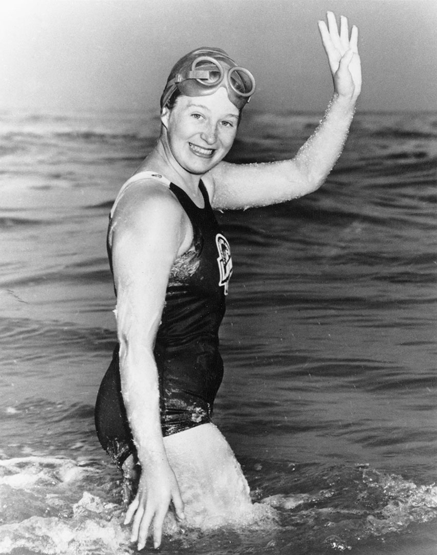 Swimming Sensation Marilyn Bell, 1954