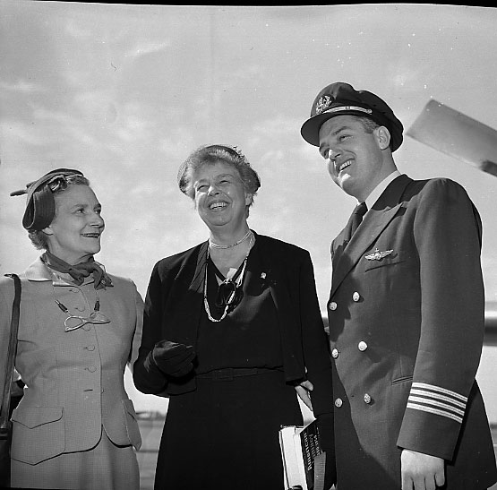 Kate Aitken Greets Eleanor Roosevelt At The Airport, 1951