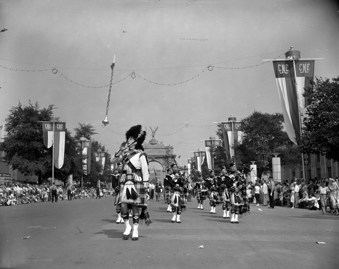 Warriors Day Parade, 1955