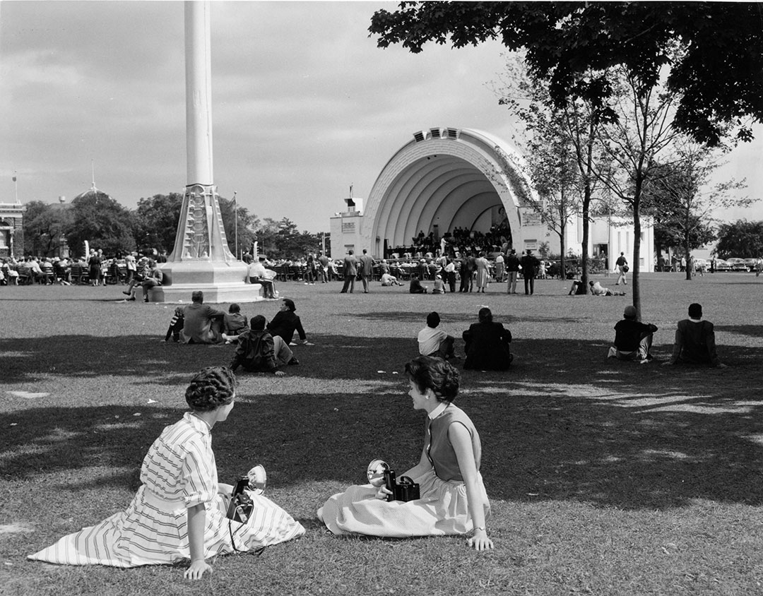 CNE Visitors At The Bandshell, 1963